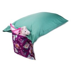 This pillowcase with a purposel holds items for you, including your iPod, headphones, TV remotes, journals, flashlights, reading book, personal items, eye glasses, money, wallet, medicine, water bottles, etc.