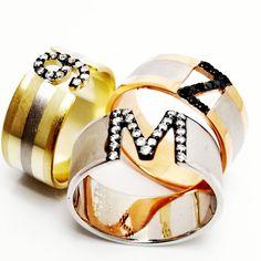 #rakamlıyüzük #taşlıyüzük #gümüş #gümüşyüzük #alyans #taşlıharf #taşlırakam #taşlıalyans Napkin Rings, Jewelery, Personality, Instagram, Jewlery, Jewels, Jewerly, Schmuck, Jewelry