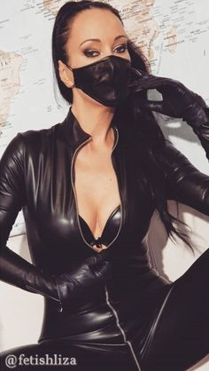 Sexy Older Women, Sexy Women, Beautiful Dark Twisted Fantasy, Vinyl Leggings, Leder Outfits, Thigh High Boots Heels, Black Leather Gloves, Img Models, Leather Dresses