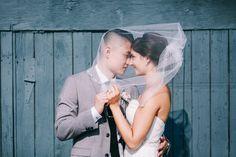 Such a sweet wedding photo idea. @roxanaphotos