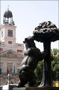 El oso y el madroño en la Puerta del Sol. Preciosa Escultura