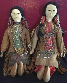 Pair of Dakota Sioux Native American Indian Beaded Leather Dolls by Susan Thompson