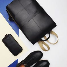 Bellroy Carry Out in Black via Belance.