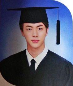 Netizens are amazed by BTS Jin's handsome graduation photos Seokjin, Kim Namjoon, Kim Taehyung, Jung Hoseok, Bts Jin, Bts Bangtan Boy, Jimin Jungkook, Bts Predebut, Foto Bts