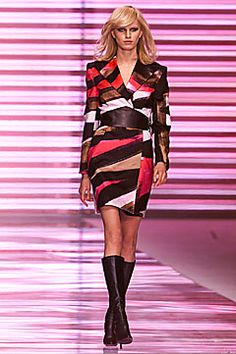 Versace Fall 2001 Ready-to-Wear Fashion Show: Complete Collection - Style.com