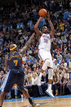 8c6462f9271 2012 Reigning scoring champ Kevin Durant dropped a career-best 51 (the  highest output of the season at the time) on the Nuggets as the Thunder  rolled to a ...