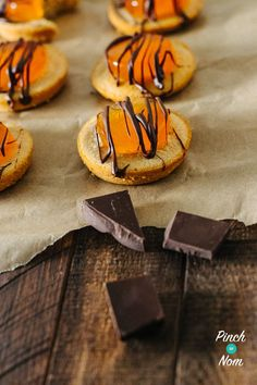 Jaffa Cakes | Slimming World & Weight Watchers Friendly - Pinch Of Nom Slimming World Gravy, Pinch Of Nom, Jaffa Cake, Slimming Recipes, Pear Recipes, Sugar Paste, Calorie Counting, Cake Pans, Quick Easy Meals
