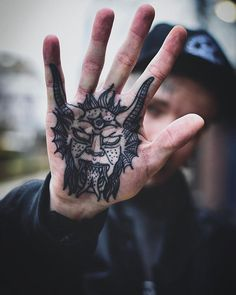 The palms are unlike most other locations on the body because their callused skin presents the artist with a tricky texture to work on. Line Tattoos, Body Art Tattoos, Tattoos For Guys, Sleeve Tattoos, Cool Tattoos, Hand Palm Tattoos, Small Rib Tattoos, Tattoo Earth, Most Painful Tattoo