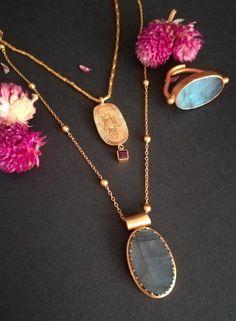 No te pierdas nuestros Collares son super diferentes con piedras Semipreciosas y chapado oro Gold Necklace, Jewellery, Creative, Fashion, Gift Cards, Gold, Necklaces, Jewels, Moda