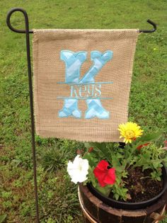 Burlap Garden Flag with Monogram #home #outdoor www.loveitsomuch.com