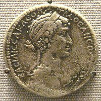"""Descended from Alexander the Great, Cleopatra (""""Father's joy"""") was the last independent ruler of Egypt before the Roman conquest in by Octavian, later Augustus Ancient Egypt Pharaohs, Ancient Civilizations, Egyptians, Egyptian Queen, Egyptian Art, Egyptian Beauty, Queen Cleopatra, Queen Nefertiti, Mark Antony"""