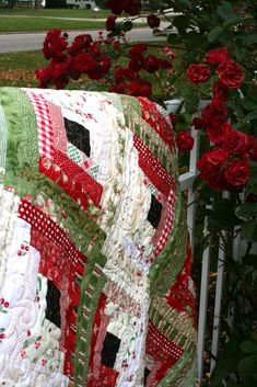 Log cabin Christmas quilt