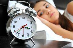 Los más inteligentes tardan más en dormirse... y son más guapos