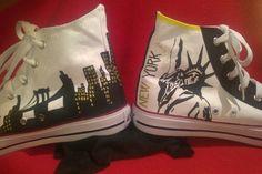 Homenaje a New York en estas zapatillas pintadas a mano. Más en nuestro blog: lasnanisdenani.wordpress.com