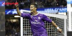 Ronaldo dünyanın en çok kazanan sporcusu: İspanyol ekibi Real Madrid'in Portekizli futbolcusu Cristiano Ronaldo, 93 milyon dolarlık gelirle son bir yılda en fazla kazanan sporcu oldu. - İspanyol ekibi Real Madrid'in Portekizli futbolcusuCristiano Ronaldo,93 milyon dolarlık gelirle son bir yılda en fazla kazanan sporcu oldu. Forbes dergisinin Haz#Iran 2016 ile Haz#Iran 2017 arasındaki maaş, sponsor gelirleri ve bonusları hesaba katarak ha...