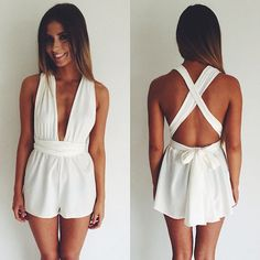 Can never go wrong with a white jumper, ♡ the cross back straps and the bow that ties it all toge together.