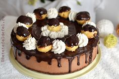 tort profiterol Sweets Recipes, Cookie Recipes, Mousse, Romanian Desserts, Profiteroles, Christmas Cupcakes, Candy Buffet, Something Sweet, Chocolate Desserts
