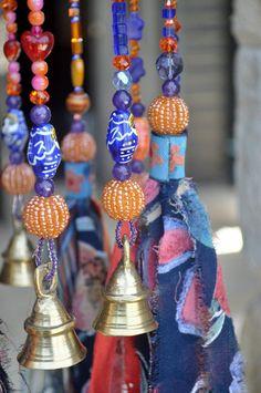 מובייל גדול ,מובייל כתום וכחול,מובייל לתוך הבית,מתנה מקורית,מתנה לחג,מתנה צבעונית,אקססוריז לבית,מתנה לחתונה,פעמון רוח לפרגולה, | המוביילים של רונית פטר | מרמלדה מרקט