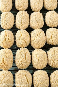 Italian Sesame Seed Cookies - A Family Feast® - Italian Sesame Seed Cookies are the perfect sweet treat to serve with a cup of coffee or espresso. Sesame Seed Cookies Recipe, Italian Sesame Seed Cookies, Italian Cookies, Sugar Cookies, Brownie Cookies, Creamy Horseradish Sauce, Biscuits, Coffee Varieties, Snacks