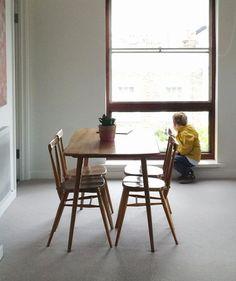 Tisch bauholz runde tischbeine aus stahl bauholz for Esstisch klappbar speisezimmer