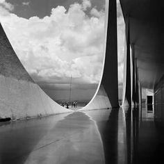 Marcel Gautherot's photograph of Oscar Niemeyer's Alvorada Palace, Brasilia...c.1959
