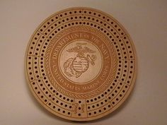 All branches of the military available.Laser-ed logo has incredible detail.Pegs are provided and held in place with a very unique magnetic cover. Cnc Projects, Projects To Try, Games For Fun, Master Sergeant, Michaels Craft, Military Branches, Cribbage Board, Board Games