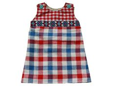 Free pattern baby dress in four different sizes.