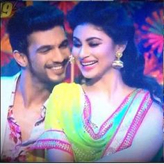 "arjunbijlani: ""We thank you all once again for ur love love and more love.#naagin #ritik #shivanya #rivanya #instacool #instagood #instagram #instalike #instalove #instadaily #funtimes #happiness #hardwork with @imouniroy and @colorstv"""