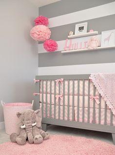 Quarto de bebê, Cinza + rosa. Achei fofo!! :)