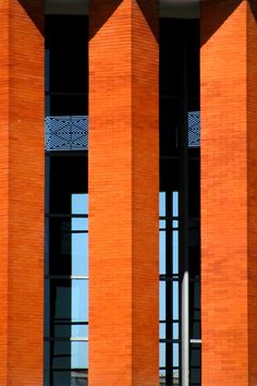 Famous Architects, Graham, Madrid, Curtains, Home Decor, Parking Lot, Bass, Architecture, Blinds
