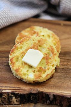 You're going to love this 90 second bread recipe that is Keto friendly. In just … You're going to love this 90 second bread recipe that is Keto friendly. In just seconds, make 90 second keto bread recipe for sandwiches, toast and more. 90 Second Keto Bread, Best Keto Bread, Keto Mug Bread, Keto Banana Bread, Keto Almond Bread, Almond Meal, Ketogenic Recipes, Low Carb Recipes, Bread Recipes