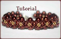 He encontrado este interesante anuncio de Etsy en https://www.etsy.com/es/listing/116910291/pearls-and-seed-beads-beading-pattern
