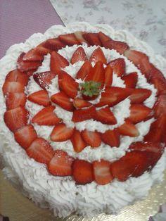 torta con fragole e crema chanthilly