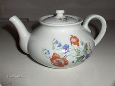 Arabia Kitchenware, Tableware, Teapot, Finland, Stuff To Do, Pots, Porcelain, Pottery, Ceramics