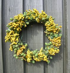 DIY: Simpel dørkrans - trin for trin - ByBetty Flowers Nature, Wild Flowers, Flower Decorations, Greenery, Garland, Diy And Crafts, Floral Wreath, Wreaths, Style Inspiration