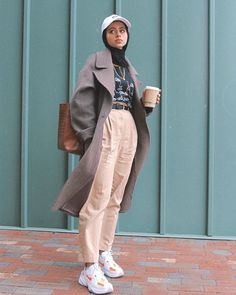 Modest Fashion Hijab, Modern Hijab Fashion, Street Hijab Fashion, Casual Hijab Outfit, Hijab Fashion Inspiration, Muslim Fashion, Cute Casual Outfits, Retro Outfits, Fashion Outfits