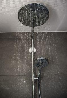 Meer dan 1000 idee n over betegelde badkamers op pinterest keuken wandtegels moza ek - Kamer onder de helling ...