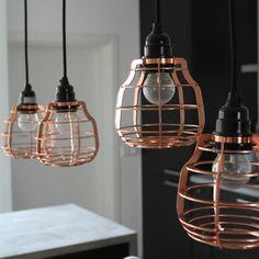 Superlamp van HK-living met drie meter snoer overal neer te hangen, voor een leuk idee zie de sfeerfoto. Je kan de lamp ook neerleggen of als wandlamp gebruiken