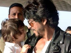 This photo of Shah Rukh Khan and son AbRam is another name of love!