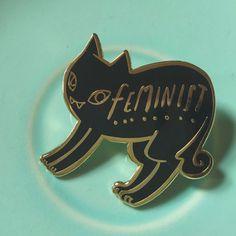 Schwarze Katze feministische Emaille Pin von bunnydee auf Etsy