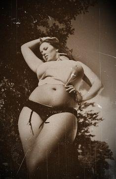 plus size model Manas Victoria