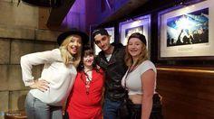 Tom e @MissKelseyH com fãs depois do show da banda IM5 em Londres, na Inglaterra. (via @destiel2014) (1 set.)
