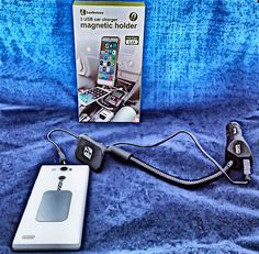 Supporto magnetico per smartphone con tripla carica