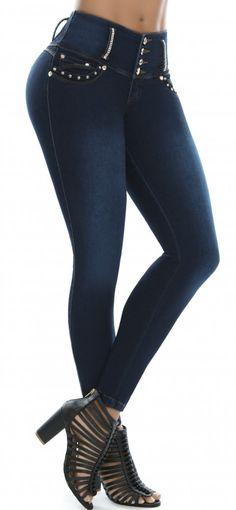 Jeans levanta cola LUJURIA 78862 Azul Levis Pants, Denim Jeans, Skinny Jeans, Denim Fashion, Fashion Outfits, Womens Fashion, Plus Size Boots, Clothing Hacks, Girls Jeans