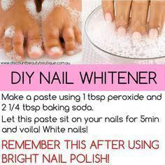 Clearer skin tips baking soda DIY Nail Whitener- Make past of 1 tbsp peroxide and 2 14 tbsp baking soda - Let this sit on you nails for 5 minutes. Beauty Care, Beauty Skin, Beauty Hacks, Beauty Box, Uñas Diy, Nail Whitening, White Toenails, Nail Care Tips, Tips For Nails