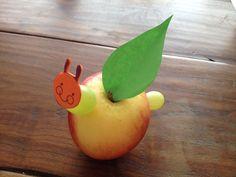 Gezonde Traktatie Rupsje Nooitgenoeg - DIY met appel en druif