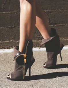 Bottines/Booties Marron/Brown Bout-ouvert/Open-toe Talons-hauts/High-heels TexteOriginal/OriginalText:
