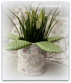Lilian... Planter Pots, Detail, Garden, Flowers, Garten, Gardening, Outdoor, Home Landscaping, Tuin