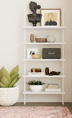 Bookcase styling Tips – 3 Ways to Decorate Your Bookcase Interior Design Living Room, Living Room Decor, Bedroom Decor, Living Room Shelves, Wall Decor, Wall Art, Living Room Inspiration, Home Decor Inspiration, Decor Ideas