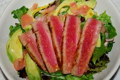 So, remember how I told you that I got a new camera? While I made dinner, David snapped some shots of my labors. Seared Tuna Salad, Grilled Tuna, Clean Eating, Healthy Eating, Healthy Recipes, Healthy Foods, Soup And Salad, Seafood, Salads